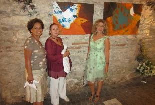 Raquel Barnatán con la pintora Hale Sontas y Sevim Cakmak.